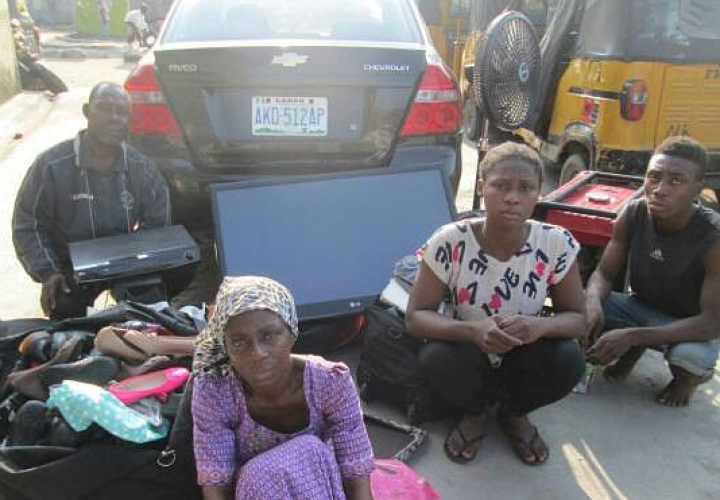 18 year-old boy with Parents and girlfriend nabbed for stealing in Lagos